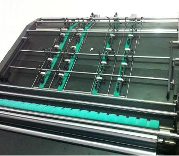 Semi-automatic flute laminating machine.png