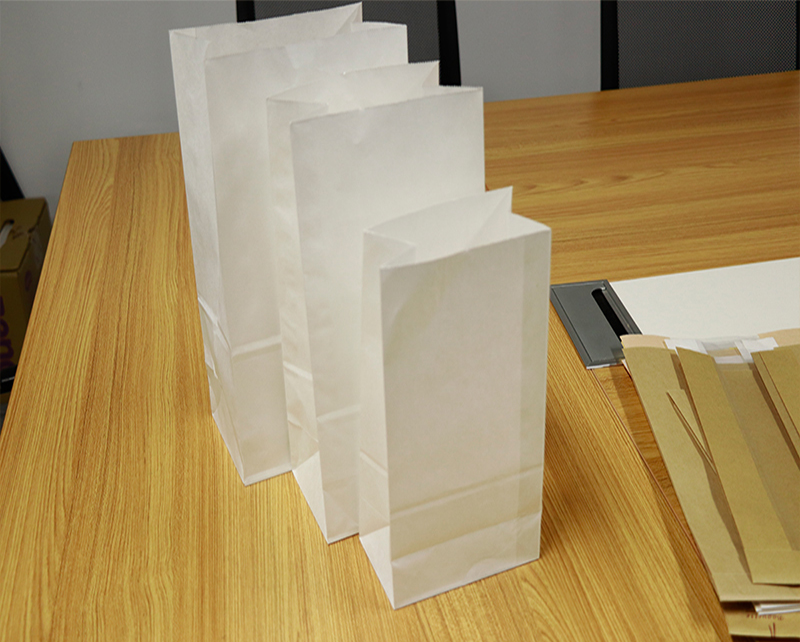 Disposable food packing kraft paper bags